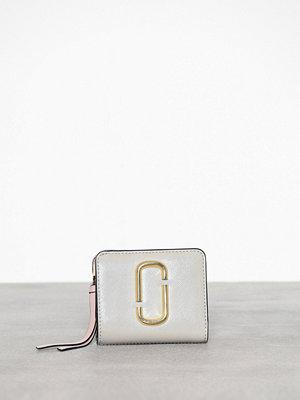 Plånböcker - Marc Jacobs Mini Compact Wallet Dust