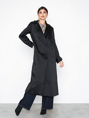 Aéryne Amias Satin Coat Black