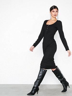 NLY Trend Rib Button Midi Dress Svart