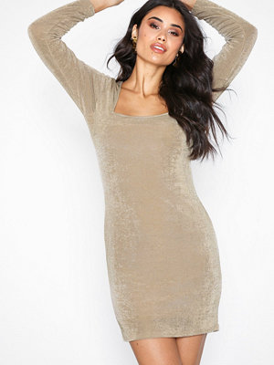 NLY Trend Glam Square Neck Dress Champagne