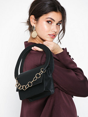 NLY Accessories Double Handle Chain Bag Svart