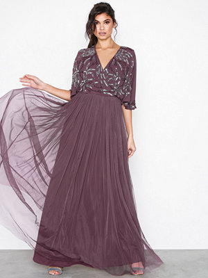 Festklänningar - Maya Cape Maxi Dress