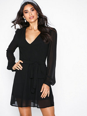 Glamorous V-Neck Long Sleeve Dress Black