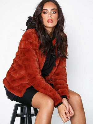 Vero Moda Vmavenue Faux Fur Short Jacket Boos Ljus röd