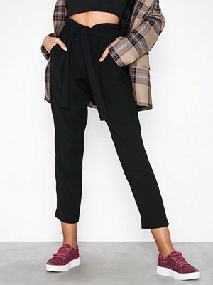 River Island svarta byxor Tapered Trousers Black