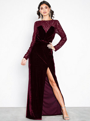 NLY Eve Lace Insert Velvet Gown Burgundy