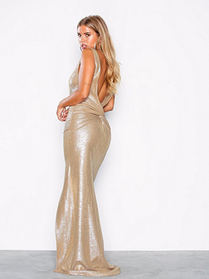 NLY Eve Shiny Deep Back Gown Guld
