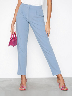 Pieces omönstrade byxor Pckalli Mv Ankle Straight Pants Blå