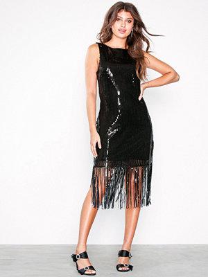 NLY Eve V-Shaped Sequin Fringe Dress Svart