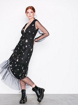 NLY Trend Star Mesh Dress Svart