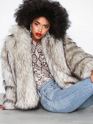Fuskpälsjackor - Missguided Cropped Faux Fur Hooded Coat Cream