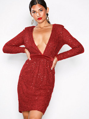 NLY Eve Open Back Lace Draped Dress Röd