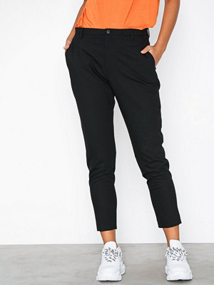 Hope svarta byxor Krissy Trouser Black Stripe