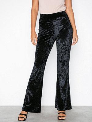 NLY Trend svarta byxor Crushed Velvet Show Pants
