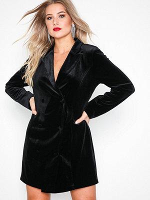 NLY Trend Velvet Suit Dress Svart