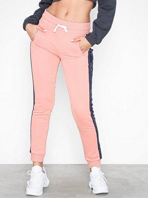 Gant persikofärgade byxor O1. Gant Icon Sweat Pants Rose
