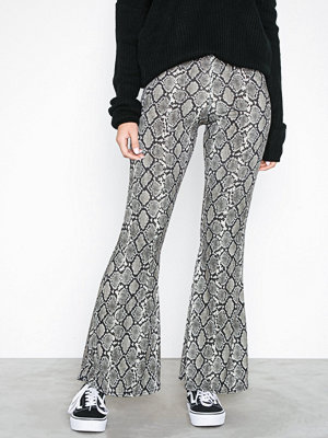 Sisters Point mönstrade byxor Griller Pants Snake