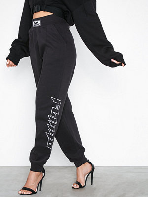 Missguided svarta byxor med tryck Fanny Lyckman Embroidered Joggers Black