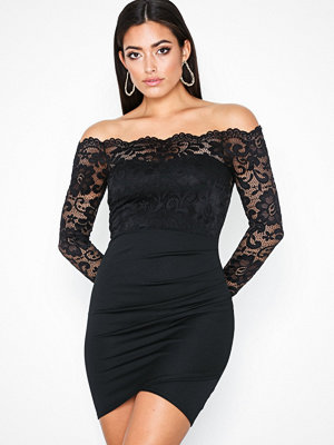 NLY One Off shoulder Lace Dress Svart