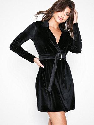 NLY Trend Velvet Blazer Dress Svart
