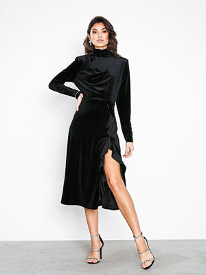 NLY Eve High Frill Slit Dress