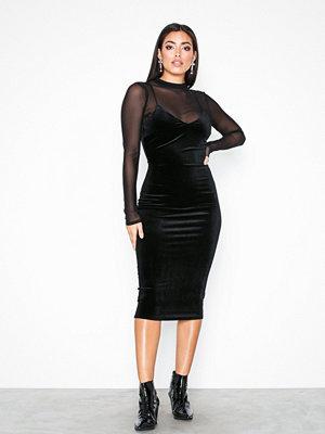 NLY One Midi Velvet Dress