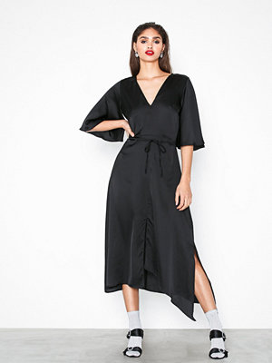 Ax Paris Wide Waisted V-neck Dress Black