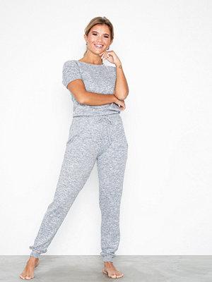 Pyjamas & myskläder - Chelsea Peers Fluffy Jumpsuit Light Grey