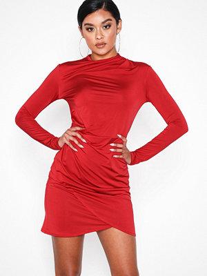 NLY One Drape Neck Dress Röd