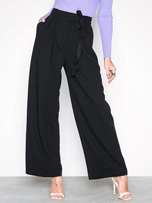Samsøe & Samsøe svarta byxor Magritt pants 10456 Black