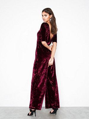 NLY Trend Low Back Velvet Jumpsuit