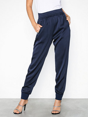 Filippa K marinblå byxor Freja Trousers Blue