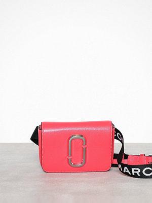 Marc Jacobs röd axelväska Hip Shot Fluoro