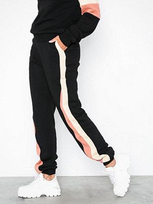 NLY Trend omönstrade byxor Colorblock Pants Svart