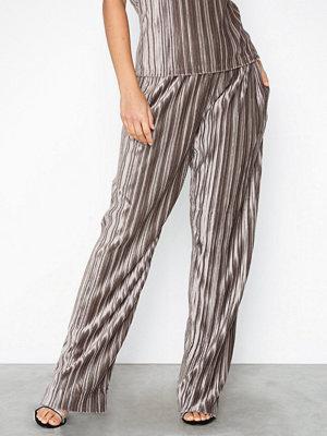 Filippa K randiga byxor Velvet Plissé Trousers