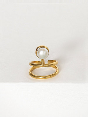 Cornelia Webb Pearled Knuckle Ring Guld