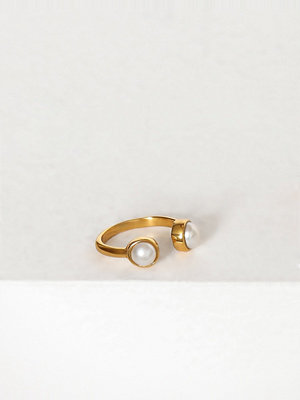 Cornelia Webb Pearled Open Ring Xs
