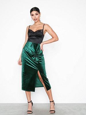Kjolar - NLY Trend Velvet Knot Skirt Emerald