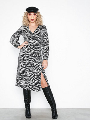 Pieces Pchannah Ls Midi Wrap Dress D2D