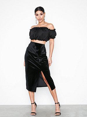 Kjolar - NLY Trend Velvet Knot Skirt Svart
