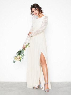 Festklänningar - NLY Eve Lace Trim LS Gown