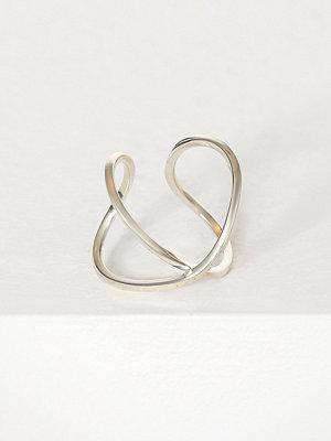 Cornelia Webb Slized Twisted Ring Silver