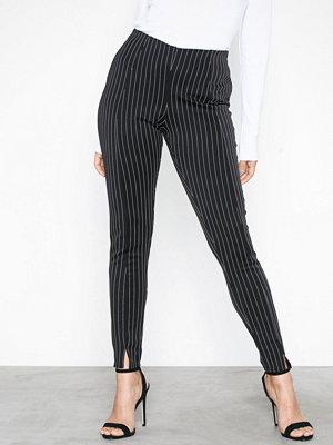 Missguided svarta randiga byxor Pinstripe Split Front Cigarette Trouser