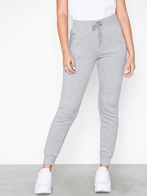 New Look ljusgrå byxor Basic Jogger Grey
