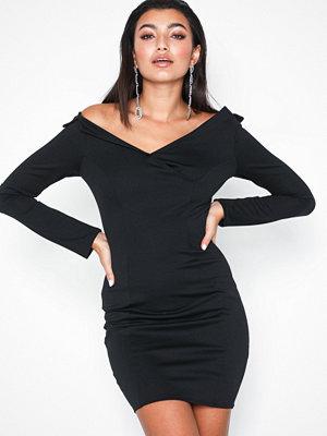 NLY One Off Shoulder Blazer Dress Svart