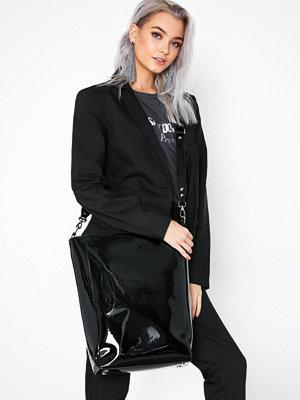 Adax Lacona shopper Charlene