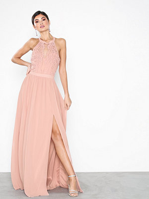 NLY Eve Sportscut Lace Insert Gown Rose
