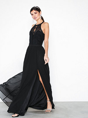 NLY Eve Sportscut Lace Insert Gown Svart