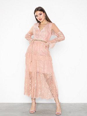 True Decadence Long Sleeve Lace Dress Peach