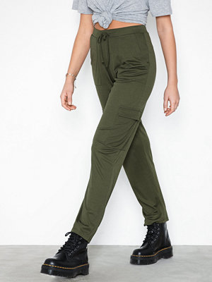 NLY Trend omönstrade byxor Cargo Jersey Pants